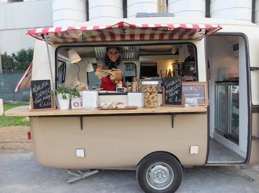 Idee Cucina 4x4 : Caravan lander un mito che rinasce con lo street food