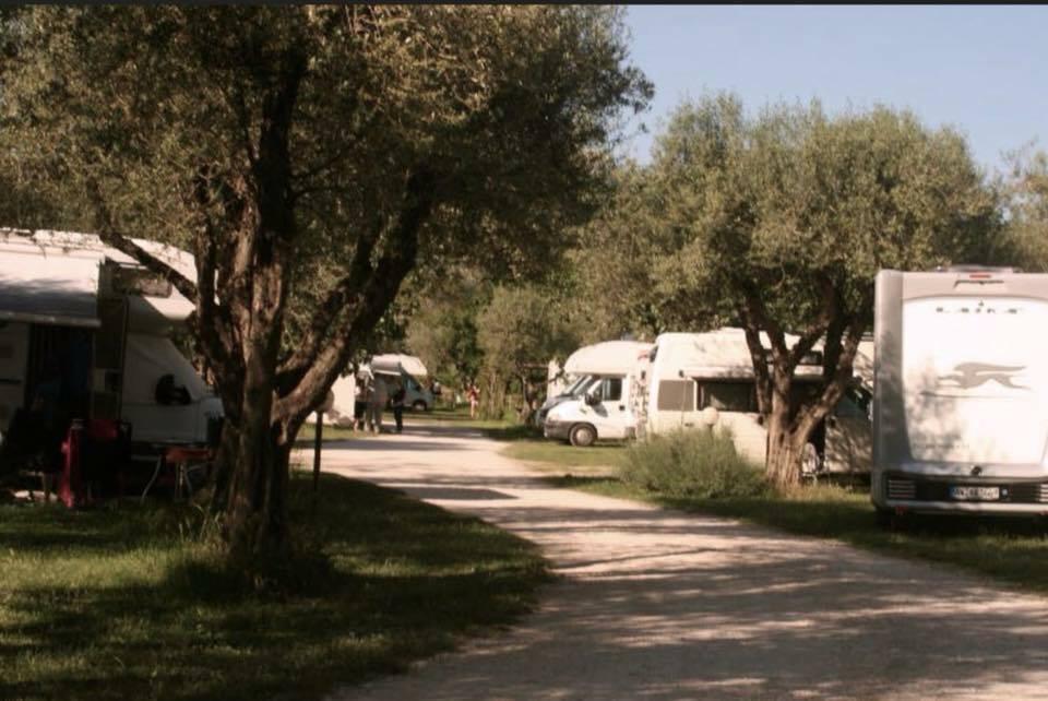 """Area camper """"il Guadetto"""": sulla riva del Lago di Bolsena"""